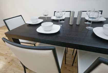 weinkisten laminat bringt gem tlichkeit und ist der neue trend. Black Bedroom Furniture Sets. Home Design Ideas